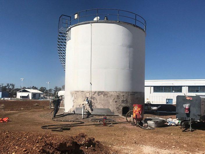 oil tank painting restoration